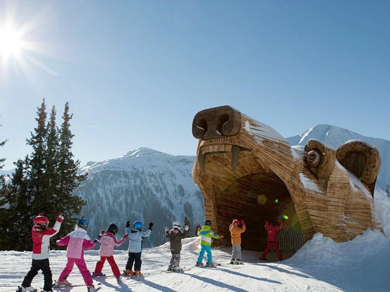 Door een beer heen skiën, dat is gaaf!