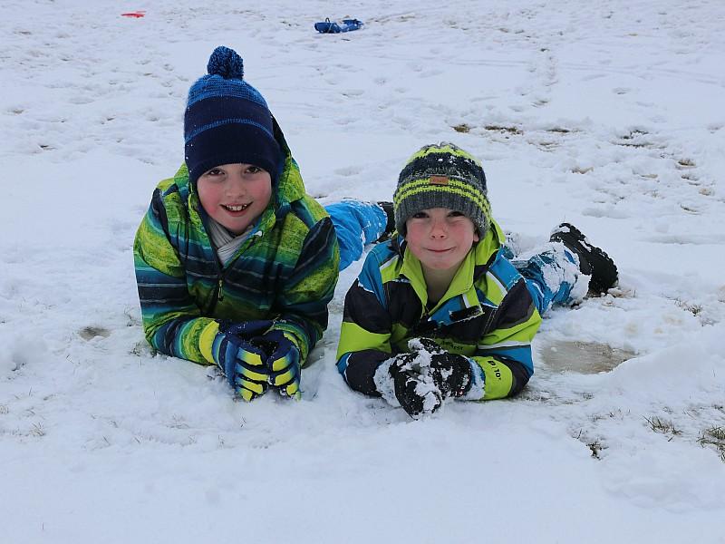 Mijn twee dondersteentjes in de sneeuw!
