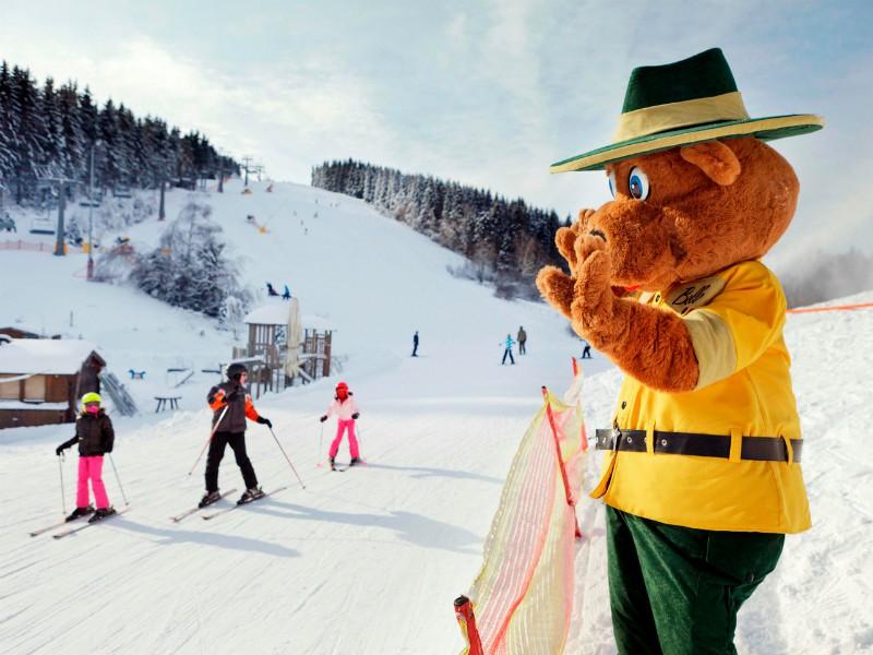 Bollo in de sneeuw bij Landal Skilife