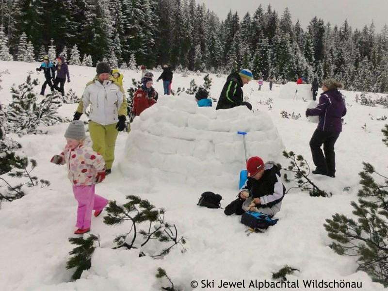 Sneeuwpret voor de hele familie: samen jullie eigen iglo bouwen!