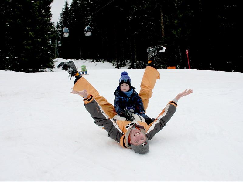 Sneeuwpret in het kinderland van Niederau, óók voor papa's!