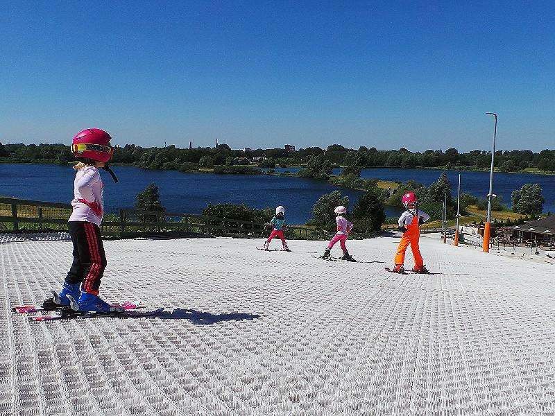 Skiën met uitzicht bij Skipiste Nieuwegein